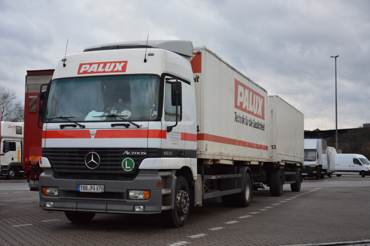 Am steht tbb pa 870 mercedes benz actros auf for Mercedes benz reading pa