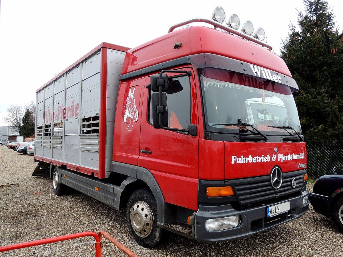 atego mit aufbau zum transport von pferden 160210. Black Bedroom Furniture Sets. Home Design Ideas