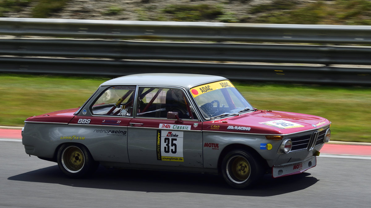 BMW 2002, Youngtimer Trophy Rennen 1, beim Youngtimer Festival in Spa Francorchamps am 15.07.2018