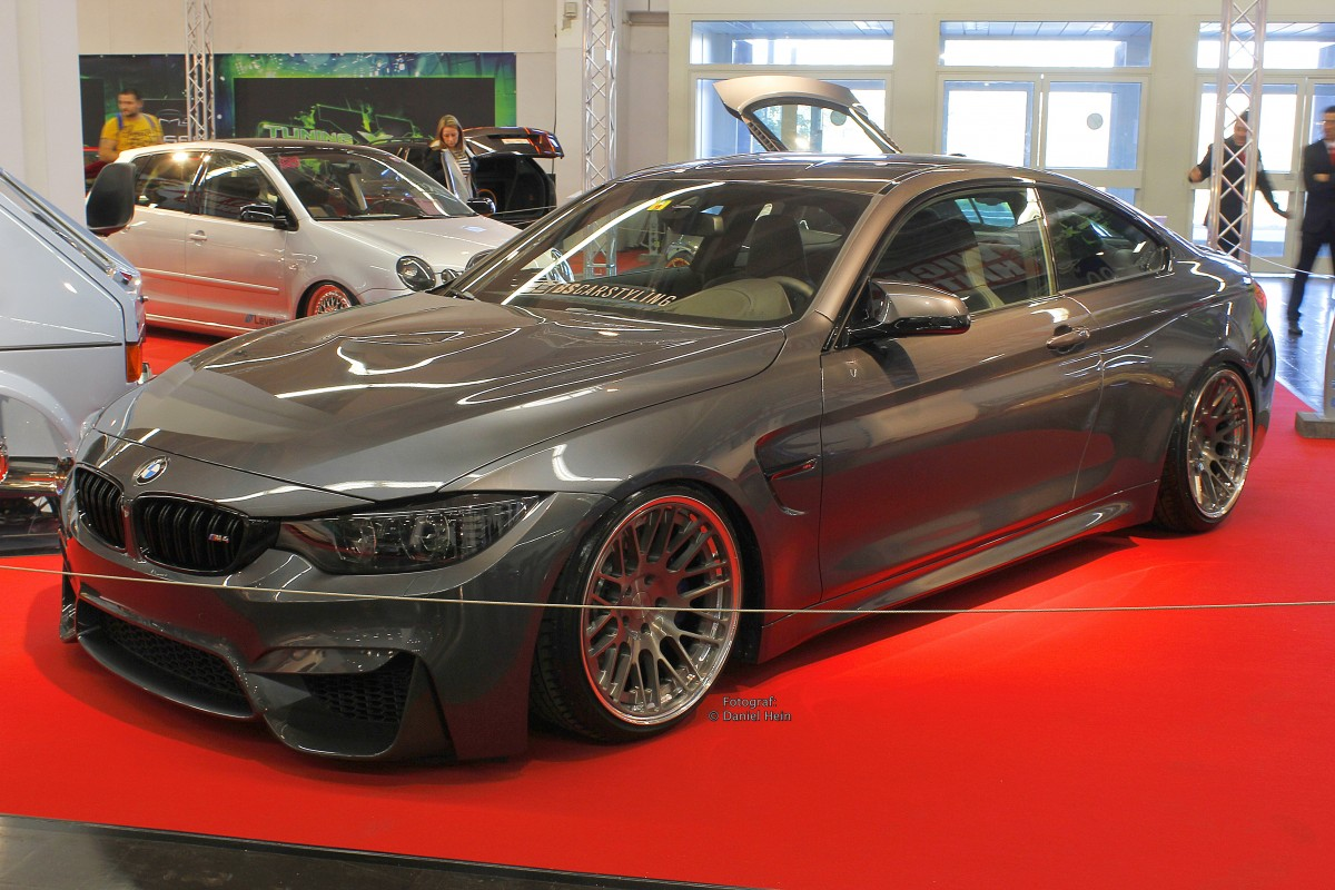 bmw 4er in grau auf der essen motor show 2015. Black Bedroom Furniture Sets. Home Design Ideas