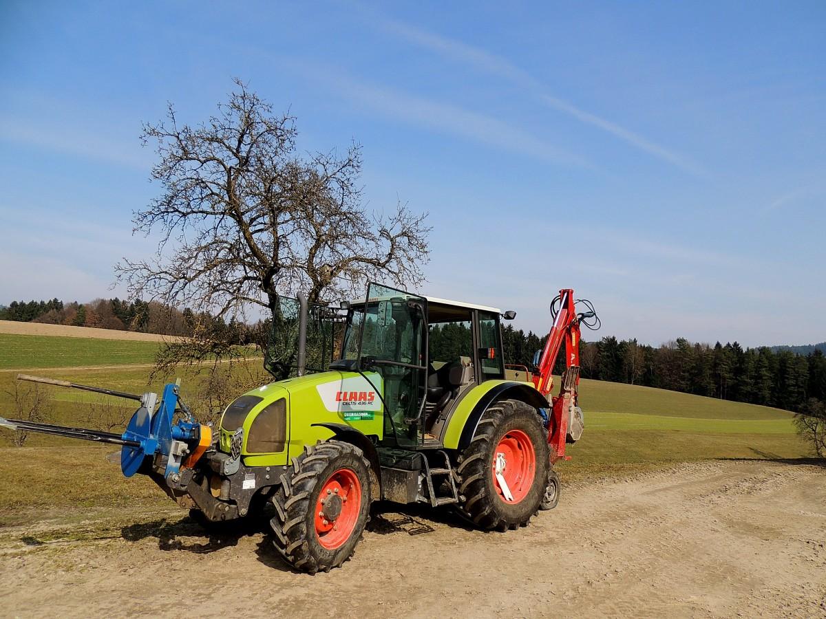 CLAAS CELTIS-436RC; mit Landwirtschaftlicher Gerätschaft ...