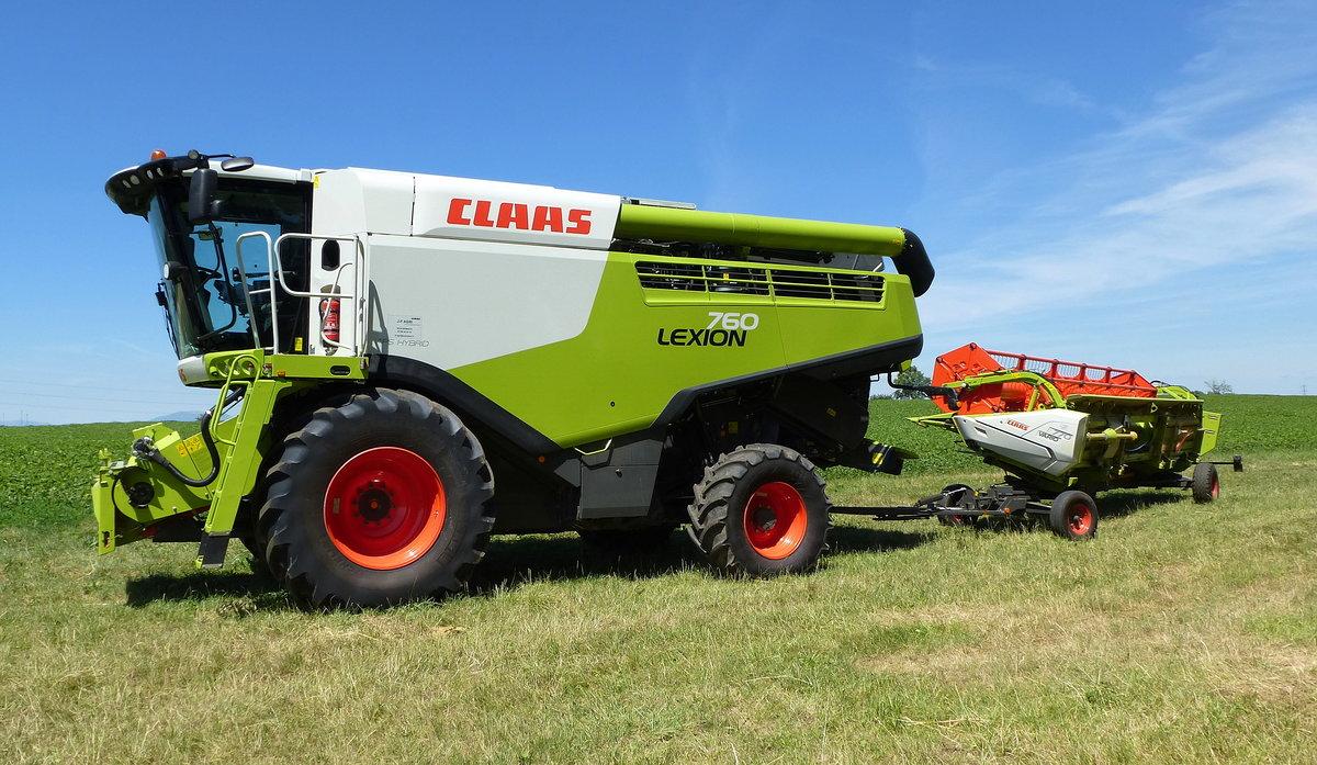 Claas Traktor Ausmalbilder : M Hdrescher Claas Fotos Fahrzeugbilder De