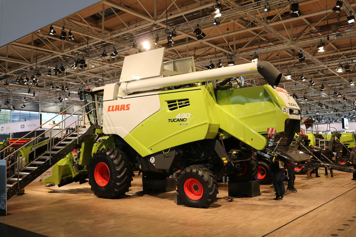 Claas Tucano 430 am 16.11.19 auf der Agritechnica in Hannover