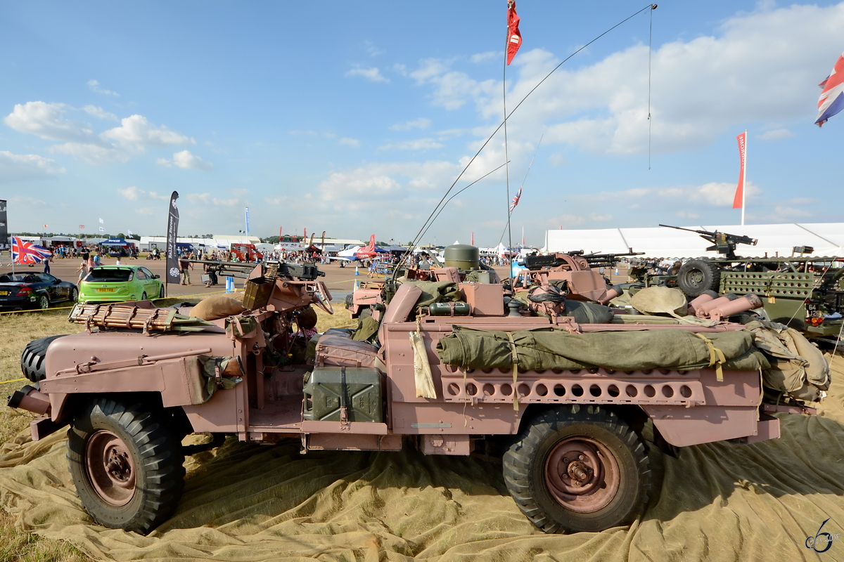 Der Land Rover  Pink Panther  Mitte Juli 2018 in Fairford.