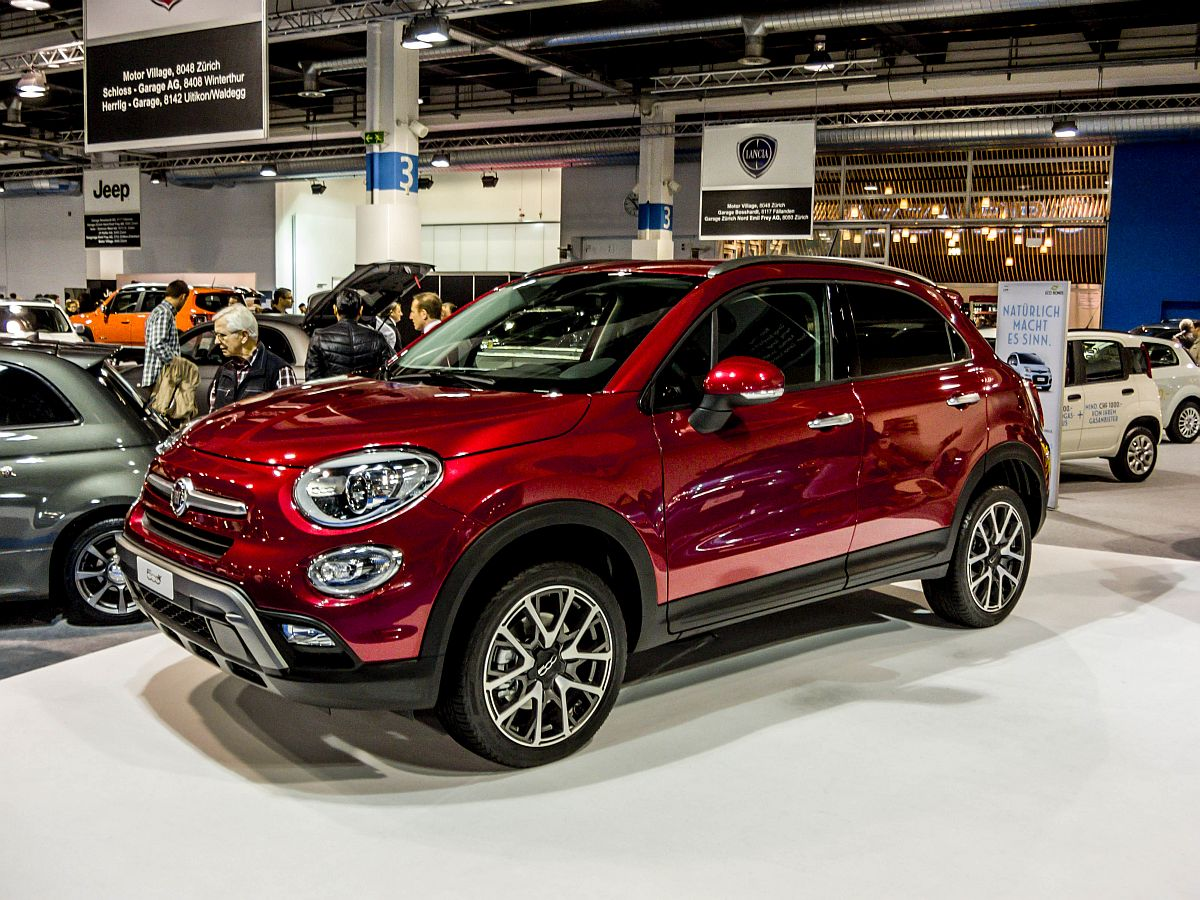 der neue fiat 500x gesehen auf dem auto z rich 2014. Black Bedroom Furniture Sets. Home Design Ideas