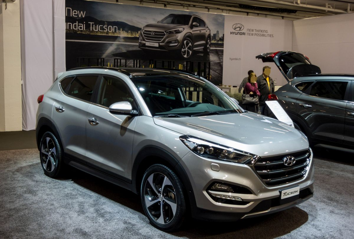 der neue hyundai tucson ab 2015 gesehen auf dem auto z rich 2015. Black Bedroom Furniture Sets. Home Design Ideas