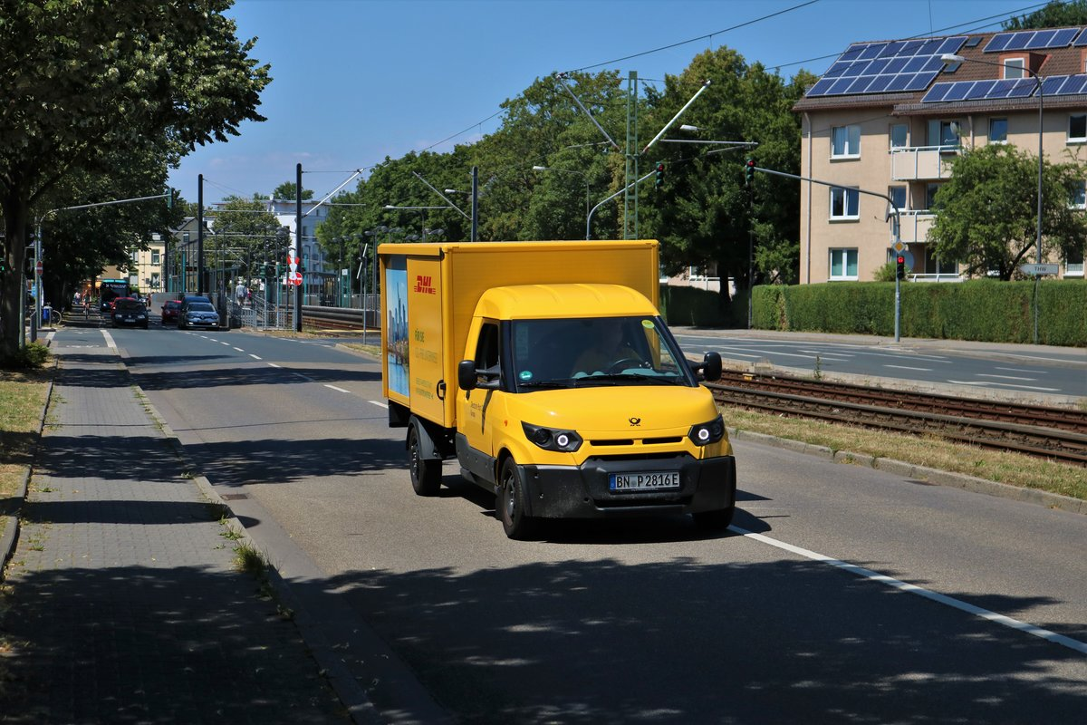 Deutsche Post/DHL Elektrotransporter am 30.06.18 in Frankfurt am Main