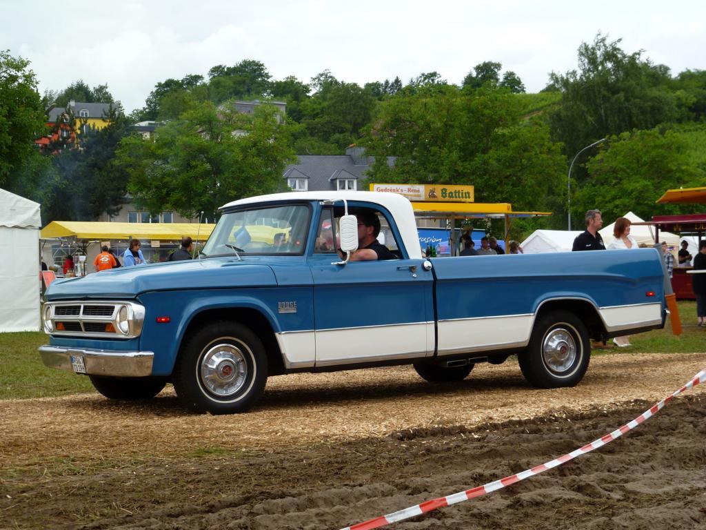 Model Pin Dodge D 100 Tradesman Motoburg On Pinterest