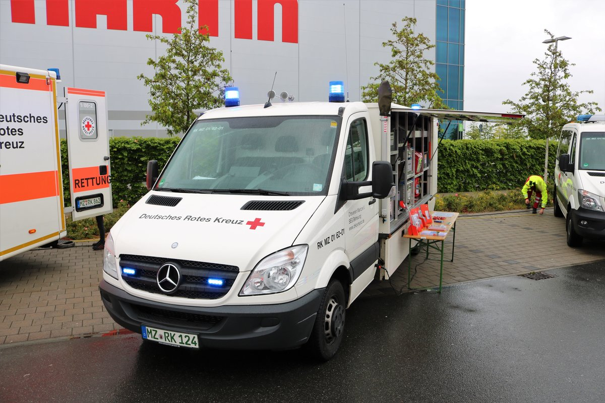 DRK Mercedes Benz Sprinter GW am 11.05.19 beim Tag der Retter in Mainz