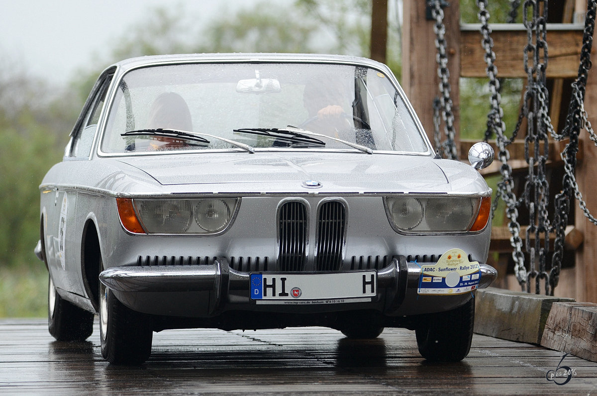 Ein BMW 2000CS im August 2012