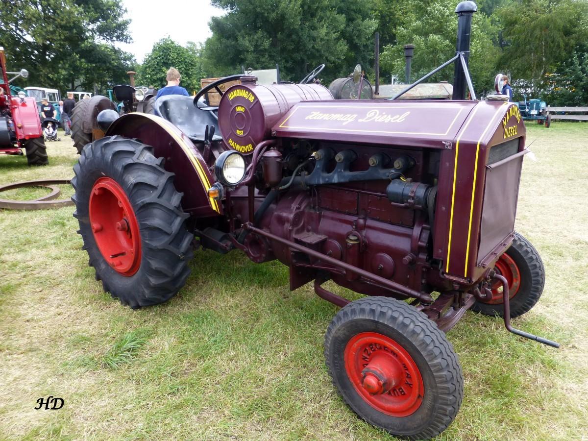 Ein traktor der marke hanomag typ ar baujahr