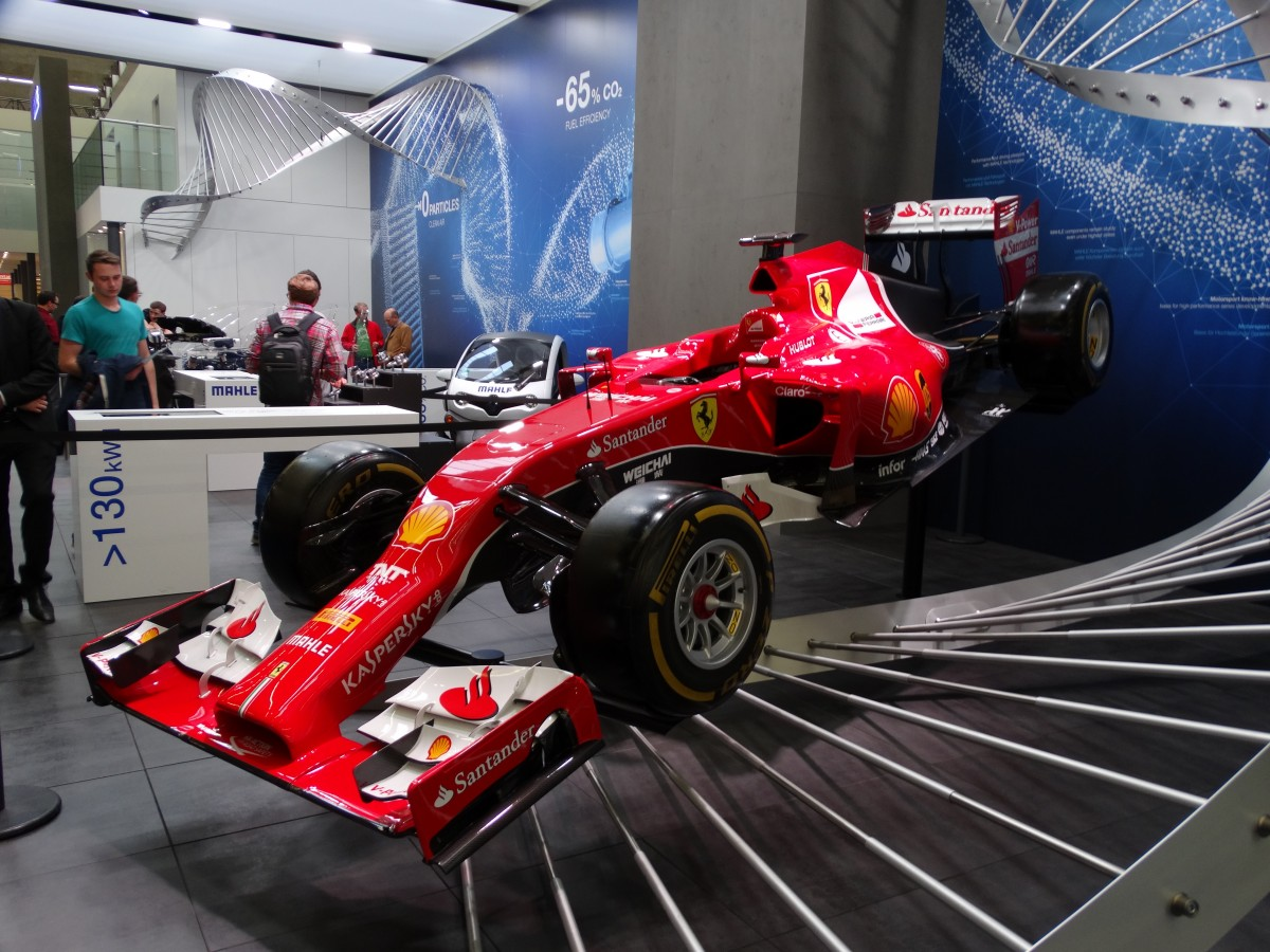 ferrari formel 1 rennwagen am auf der iaa in. Black Bedroom Furniture Sets. Home Design Ideas