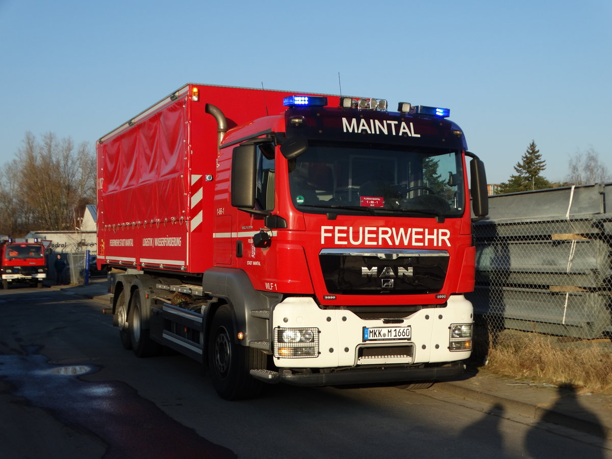 FF Maintal MAN TGS WLF (Florian Maintal 1/66/1) am 26.01.17 bei einen Großbrand in Maintal Bischofsheim