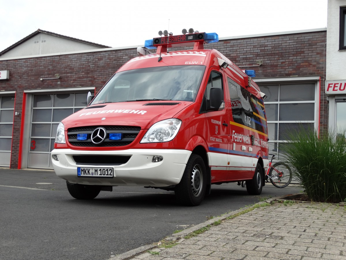 FFW Maintal Mercedes Benz Sprinter ELW 1 (Florian Maintal 1-11-1) am 24.05.15 beim Tag der Offenen Tür in Maintal Dörnigheim