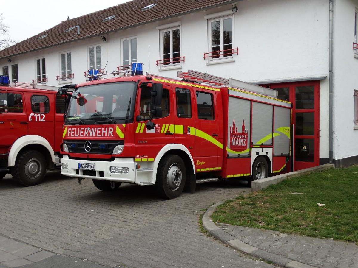 ffw mainz hechtsheim mercedes benz atego hlf 20 16 am 14. Black Bedroom Furniture Sets. Home Design Ideas