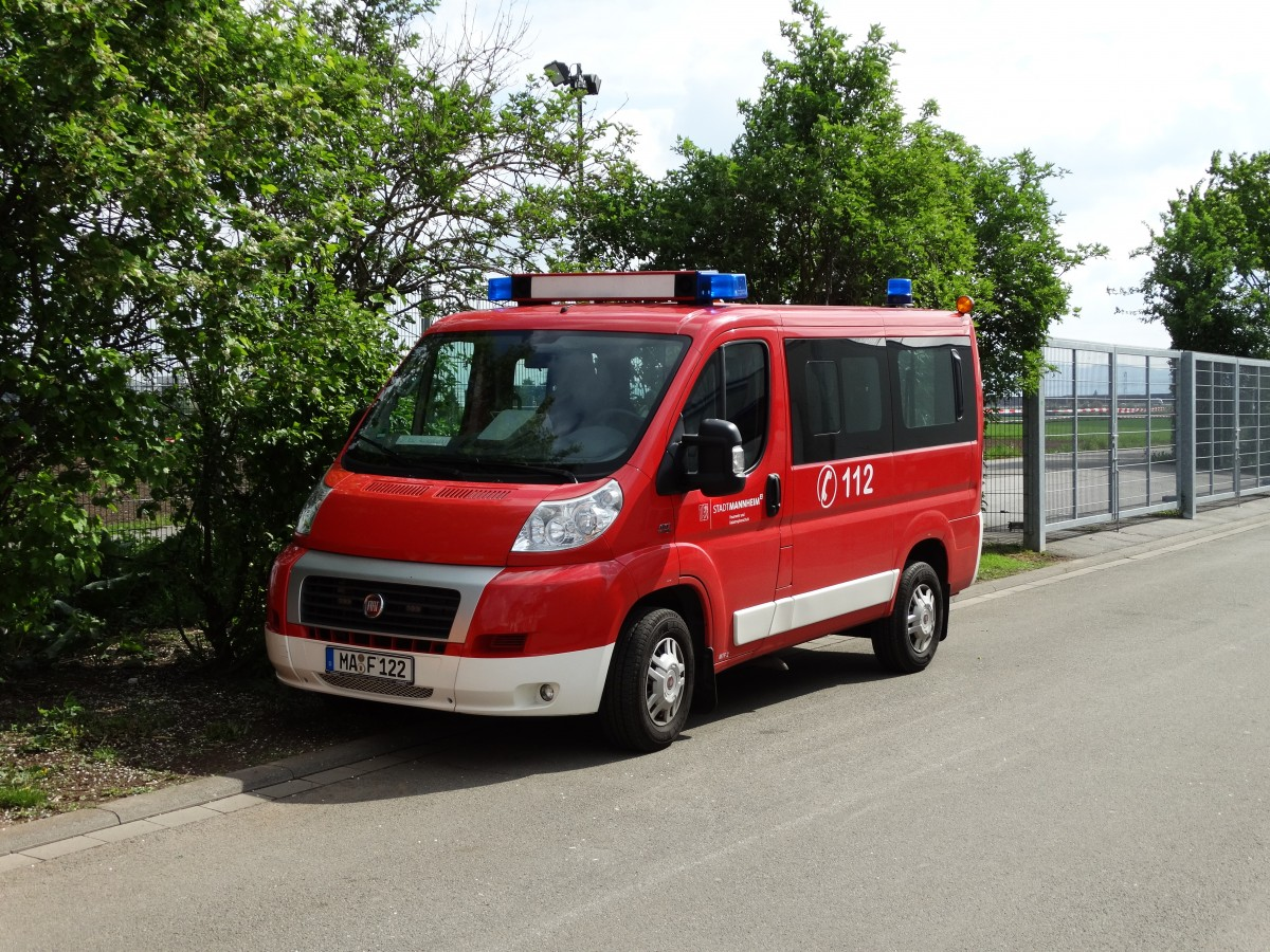 fiat ducato der feuerwehr mannheim am auf den. Black Bedroom Furniture Sets. Home Design Ideas