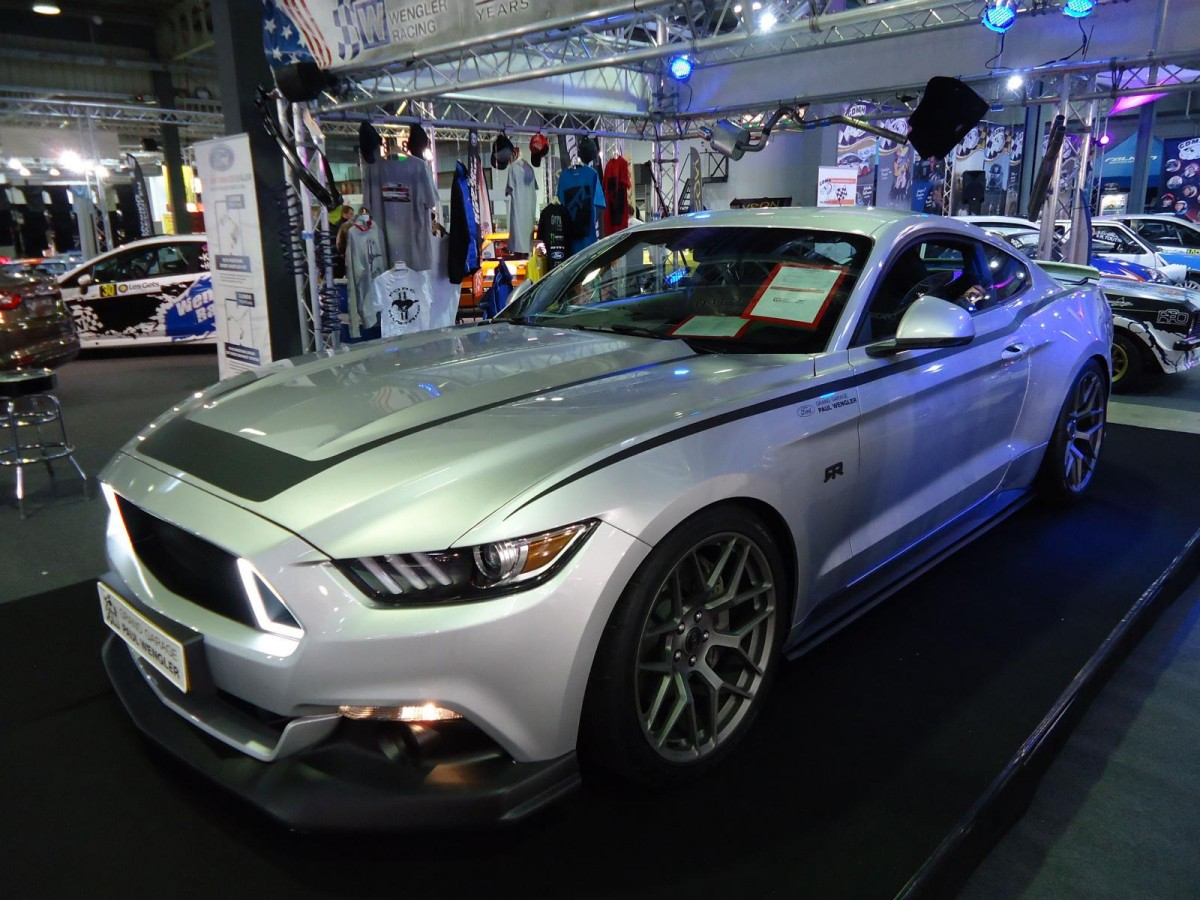 Ford Mustang RTR auf der International Motor Show in Luxembourg, 22.11.2015