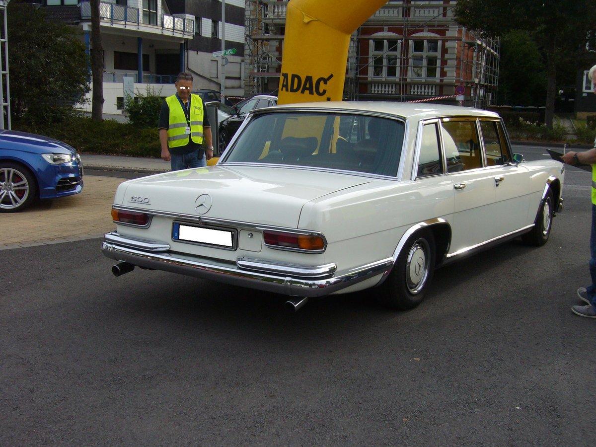 Heckansicht eines mercedes benz w100 1964 1981 3 for Mercedes benz cup