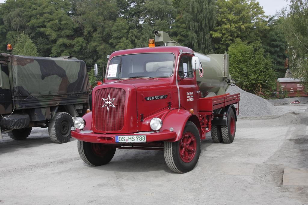 Henschel H 140 mit Pumpen Kessel Aufbau, wie er wohl früher z. B ...