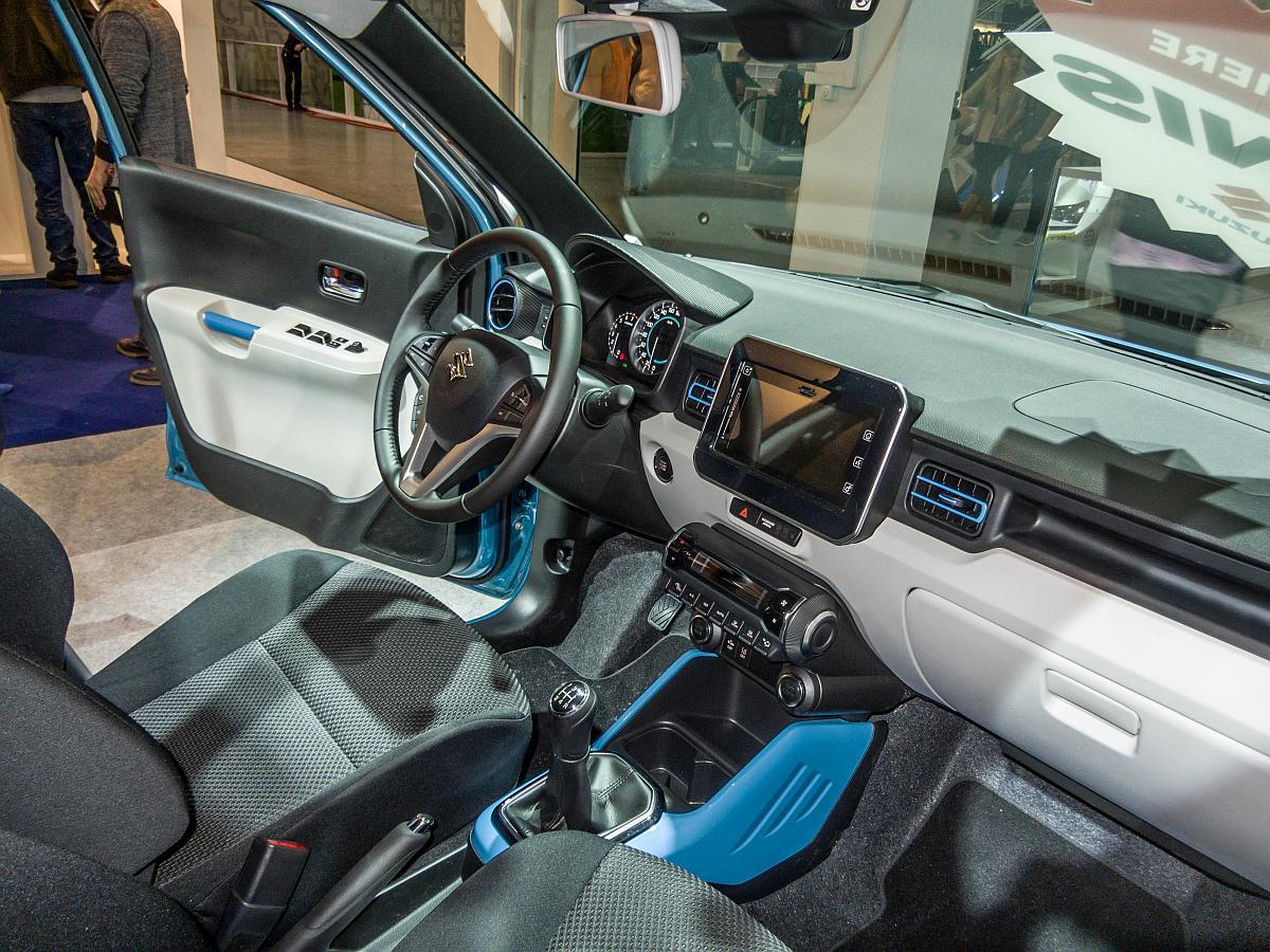 Innenraum des suzuki ignis sitzprobe auf der for Auto innenraum