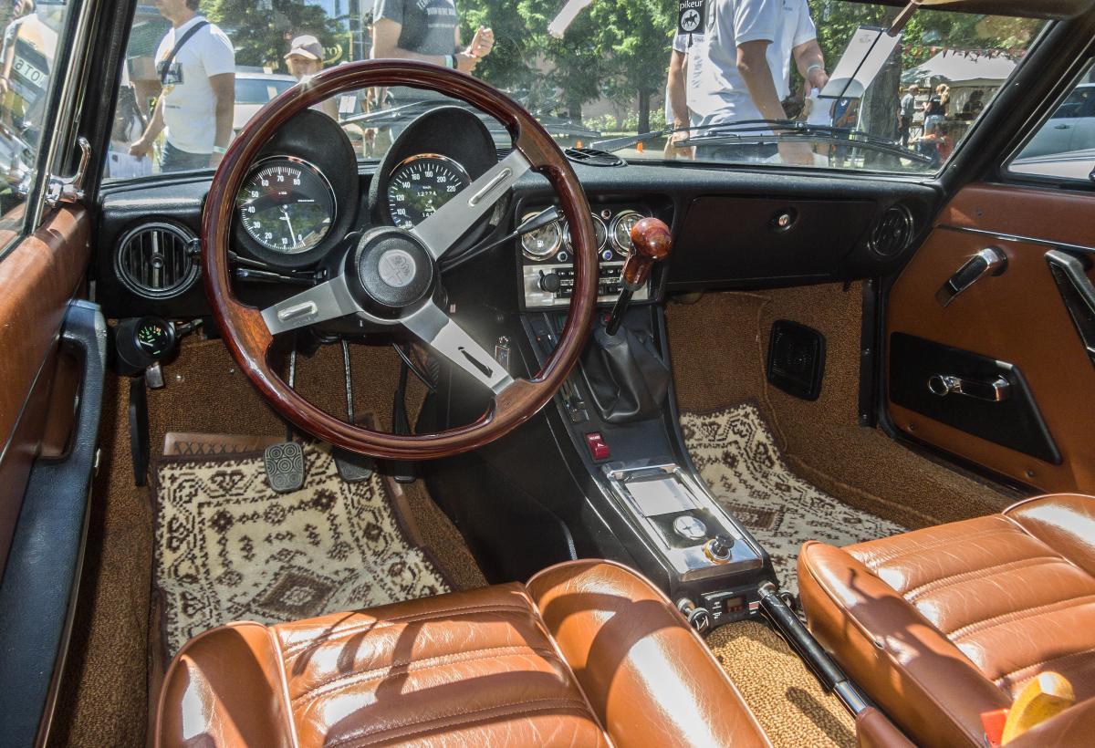 Interieur eines Alfa-Romeo Spider, ausgestellt auf der XII. Lotus ...