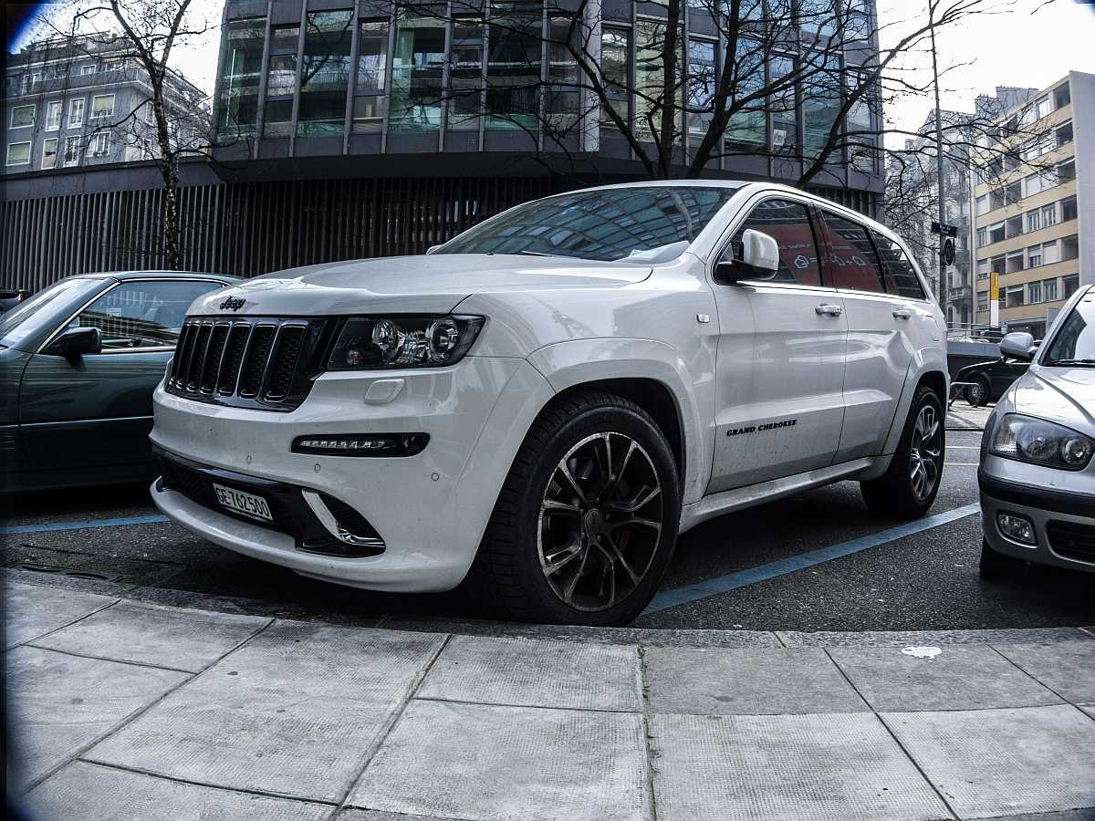 jeep grand cherokee tuning foto. Black Bedroom Furniture Sets. Home Design Ideas