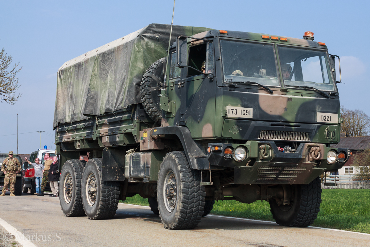 m1083a1 5to cargo truck fmtv family of medium tactical. Black Bedroom Furniture Sets. Home Design Ideas