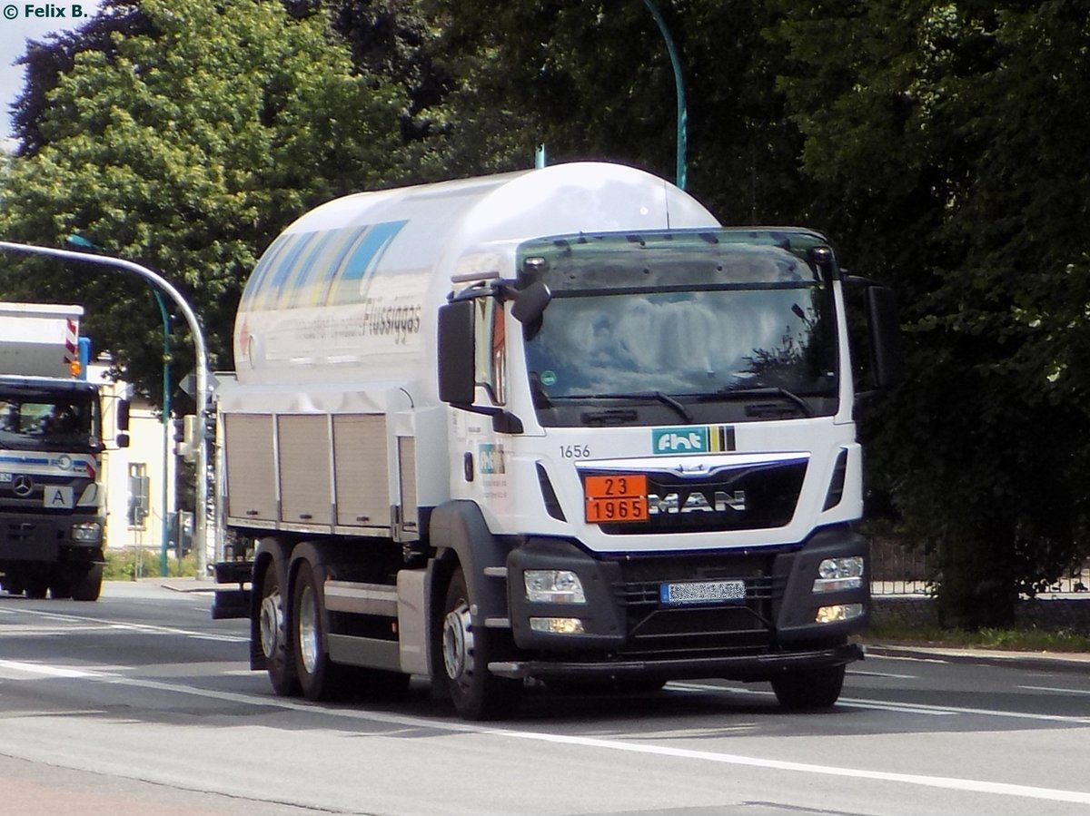 MAN Tanksattelzug in Neubrandenburg am 31.07.2014