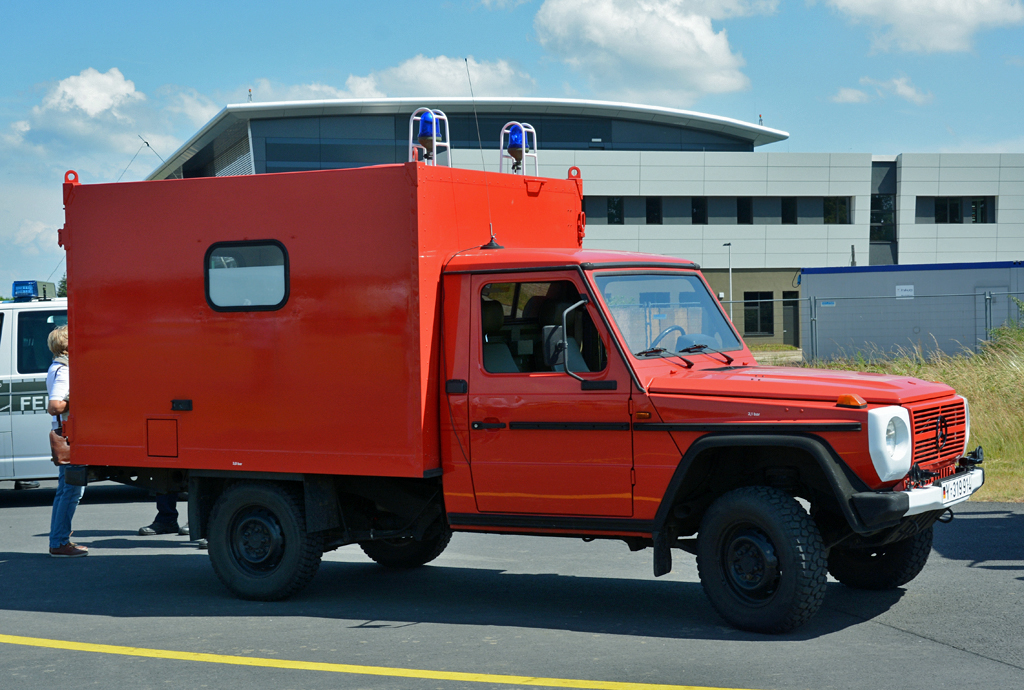 Deutschland Notarztfahrzeug Fotos Fahrzeugbilder De
