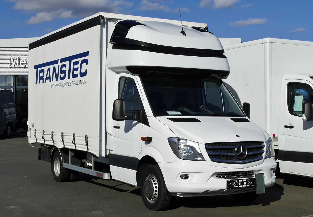 mercedes benz sprinter rtw der johanniter in frankfurt am main am. Black Bedroom Furniture Sets. Home Design Ideas
