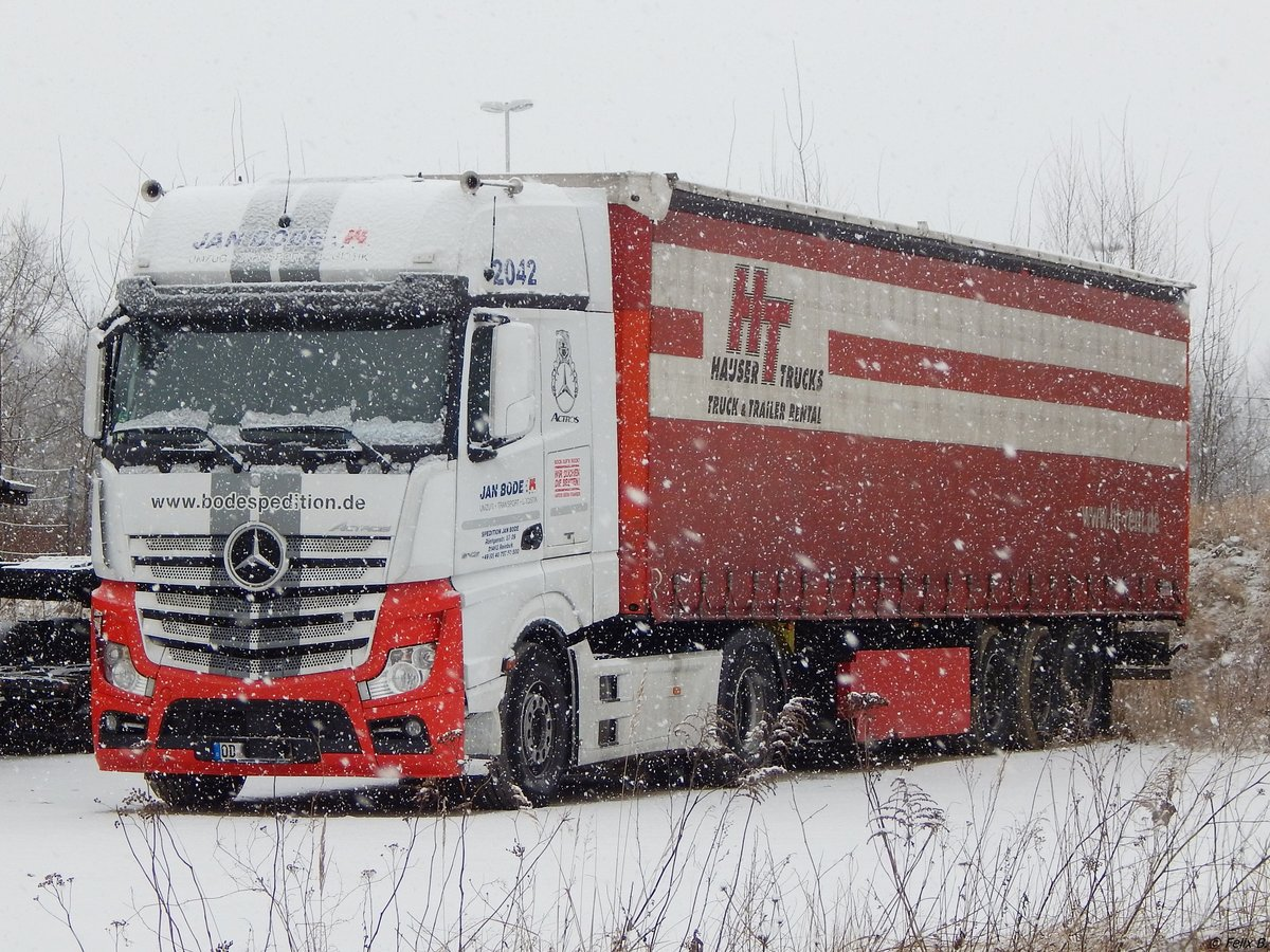 Mercedes Actros Sattelzug in Neubrandenburg am 25.02.2018