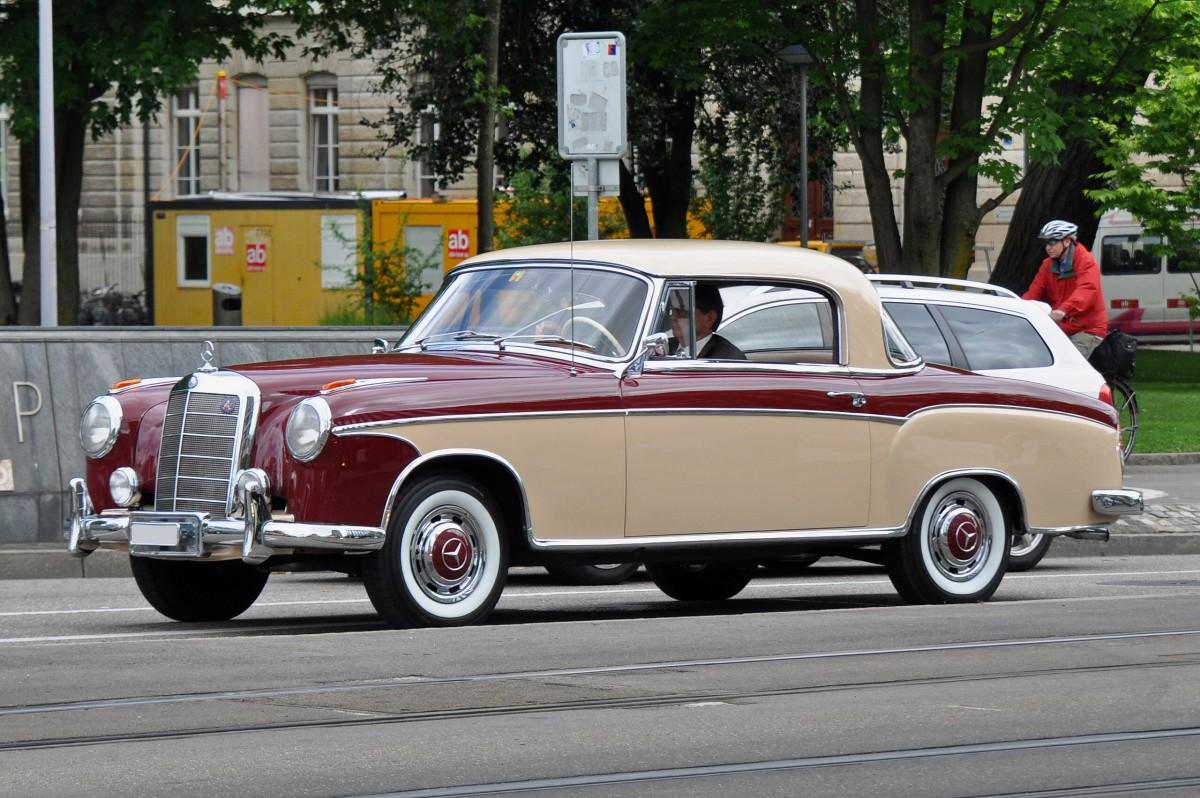 Mercedes benz 220 aus den 50er jahren die aufnahme stammt for Mercedes benz germany internship