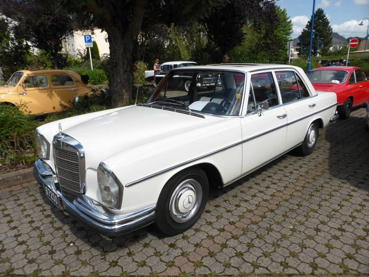 Mercedes benz 250 se vintage cars bikes in steinfort am for Mercedes benz 250 se