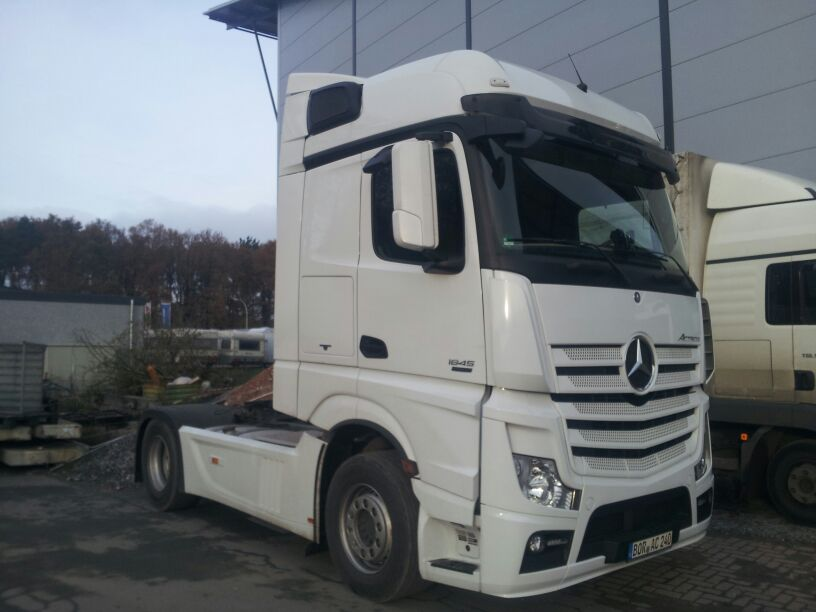 Mercedes Benz Actros 1845 - Bellen Transporte - 26.11.2013 in Borken