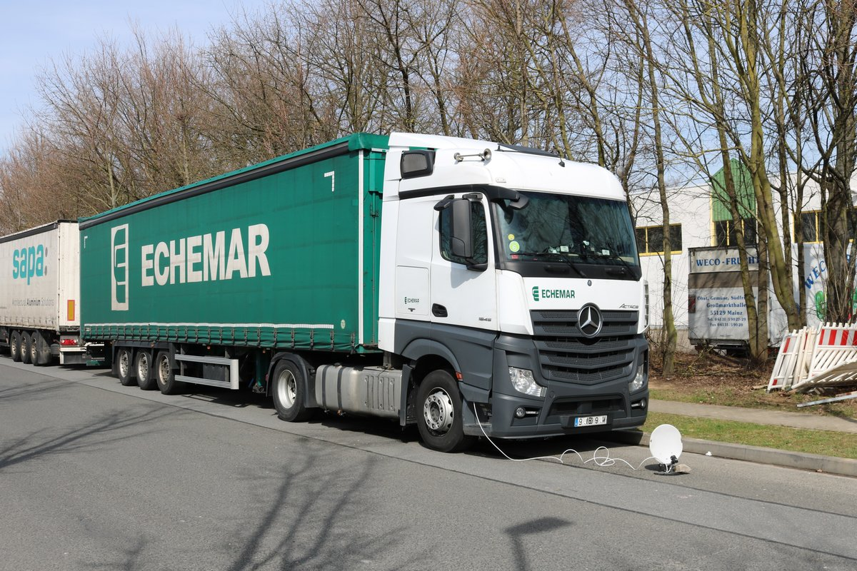 Mercedes Benz Actros am 02.04.18 in Mainz Hechtseim