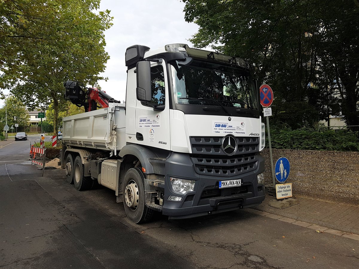 Mercedes Benz Arocs am 20.09.17 in Maintal Hochstadt
