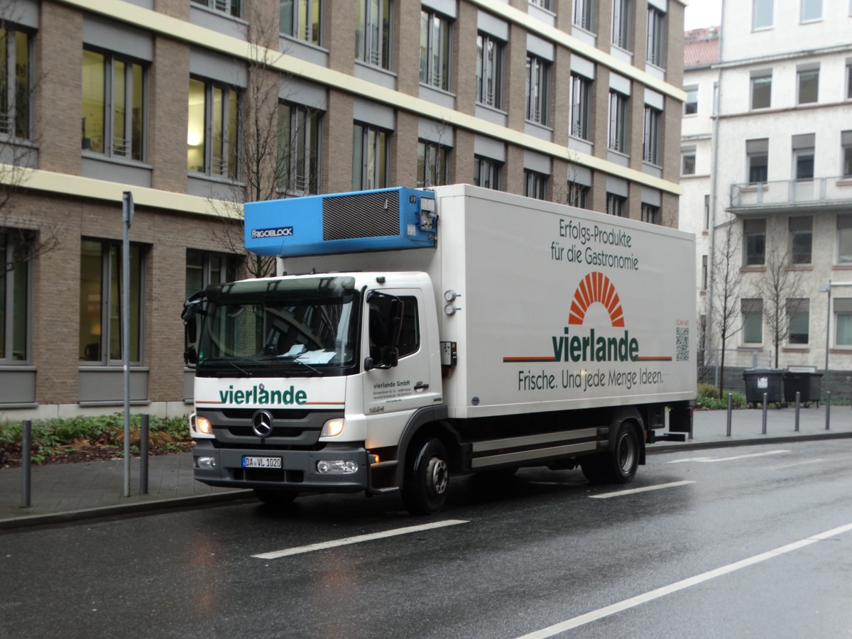 Mercedes Benz Atego vom Vierland am 04.01.16 in Frankfurt am Main