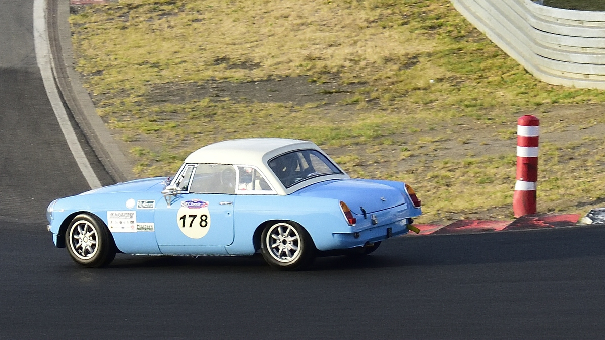 MG B, ccm 1800, Bj.:1965, 46. AvD-Oldtimer-Grand-Prix 2018, Qualifying der Tourenwagen Classics am 11.Aug.2018