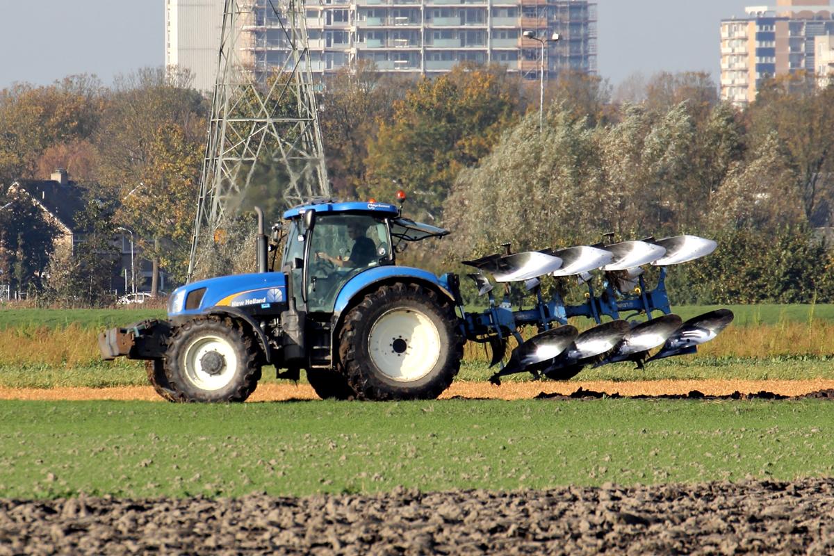 Ausmalbilder Traktor Mit Pflug : Galerie Erste 6 Fahrzeugbilder De