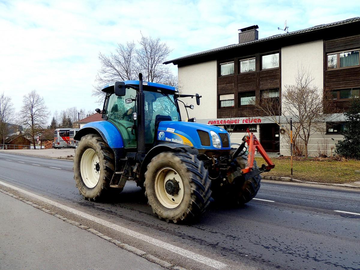 Ausmalbilder Traktor Mit Ladewagen : New Holland Fotos Fahrzeugbilder De