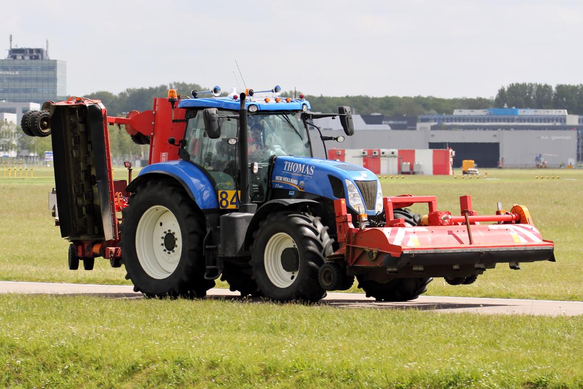 Ausmalbilder Traktor Mit Ladewagen : New Holland Fotos 2 Fahrzeugbilder De