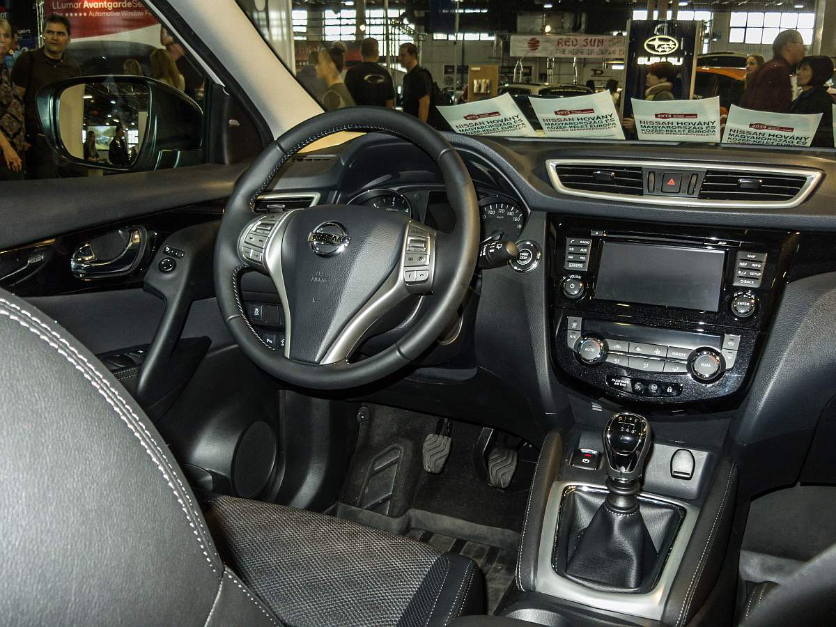 nissan qashqai modelljahr 2014 interieur foto auto motor und tuning show am. Black Bedroom Furniture Sets. Home Design Ideas