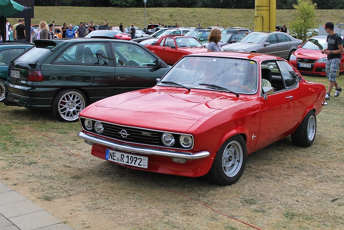 opel manta a bei den grefrath tuning days 11. Black Bedroom Furniture Sets. Home Design Ideas