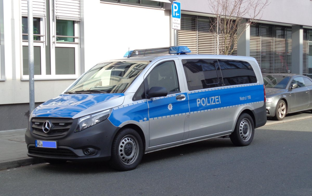 polizei neu isenburg mercedes benz vito am in der. Black Bedroom Furniture Sets. Home Design Ideas