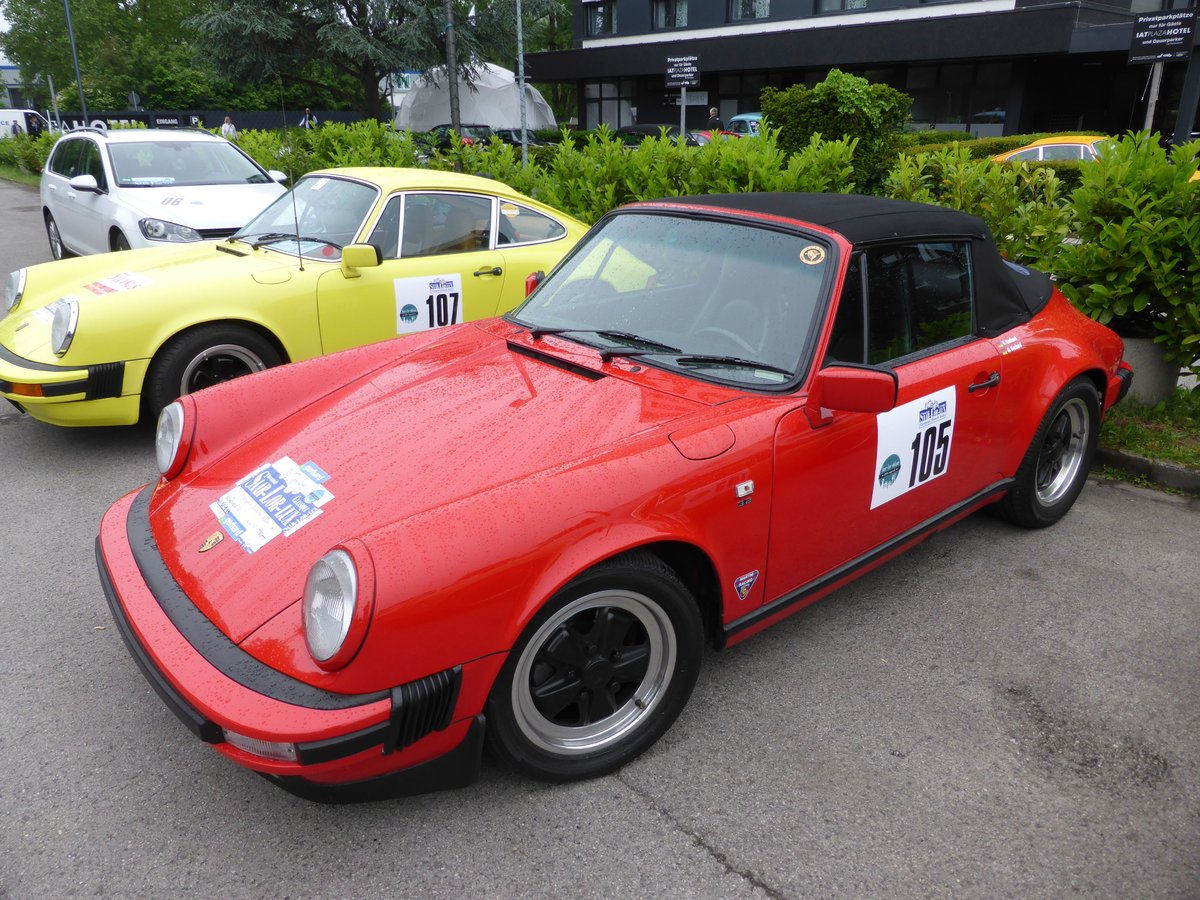 Porsche 911 Carrera (Baujahr 1987) bei der Internationalen Saar-Lor-Lux Classique. Start zum zweiten Tag am 28.05.2016 in Trier.