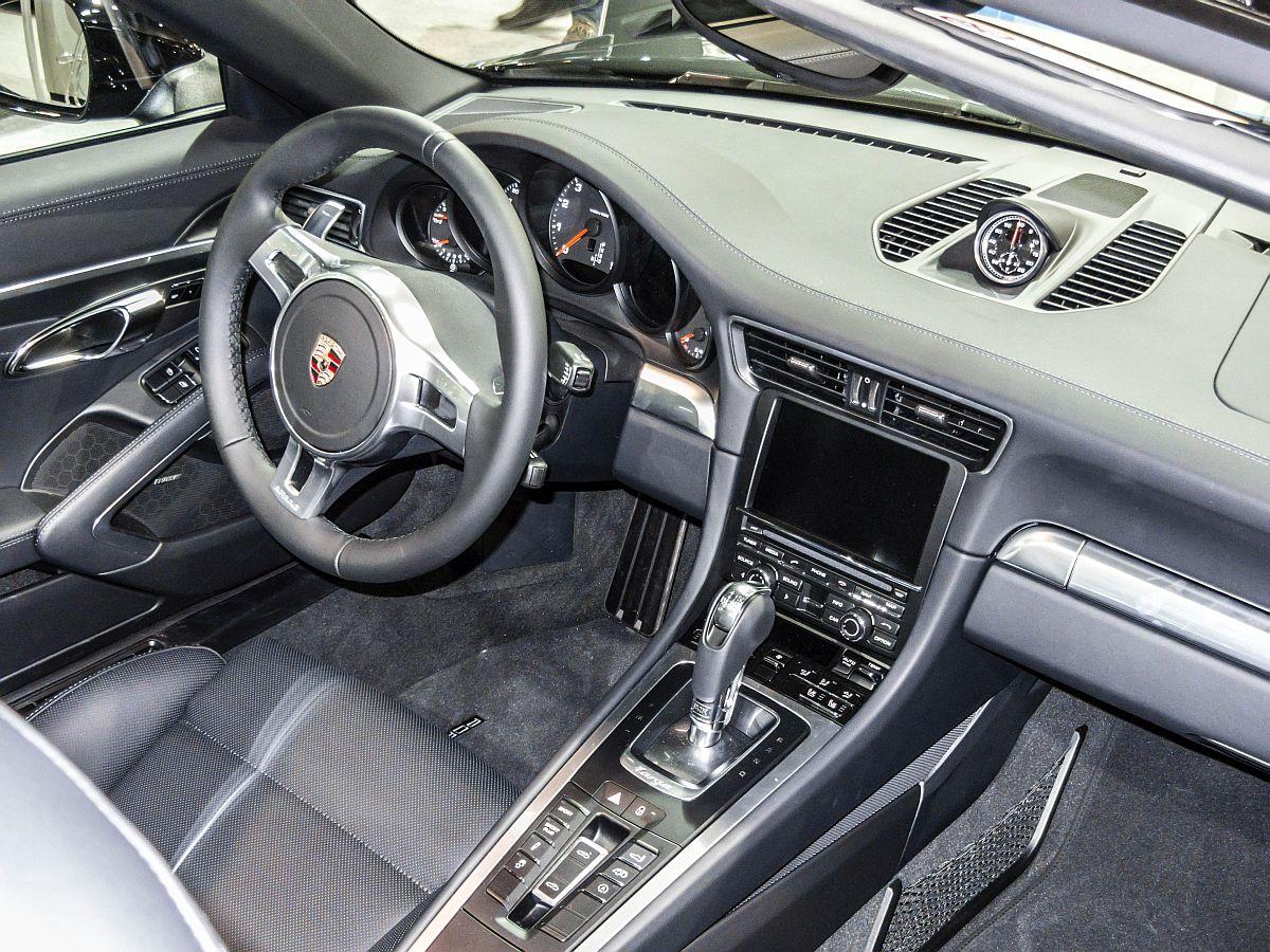 Porsche 911 Targa Interieur. Aufnahme: Auto Zürich 2014 ...