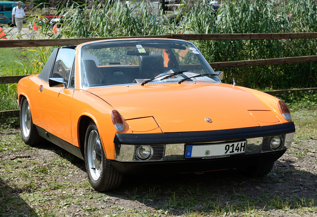 porsche 914 bei einer oldtimer rally in z lpich. Black Bedroom Furniture Sets. Home Design Ideas