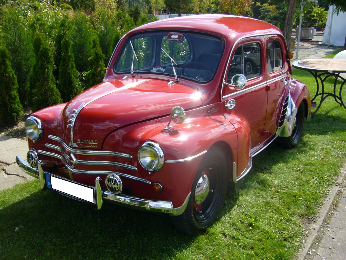 renault 4cv grand luxe  1946