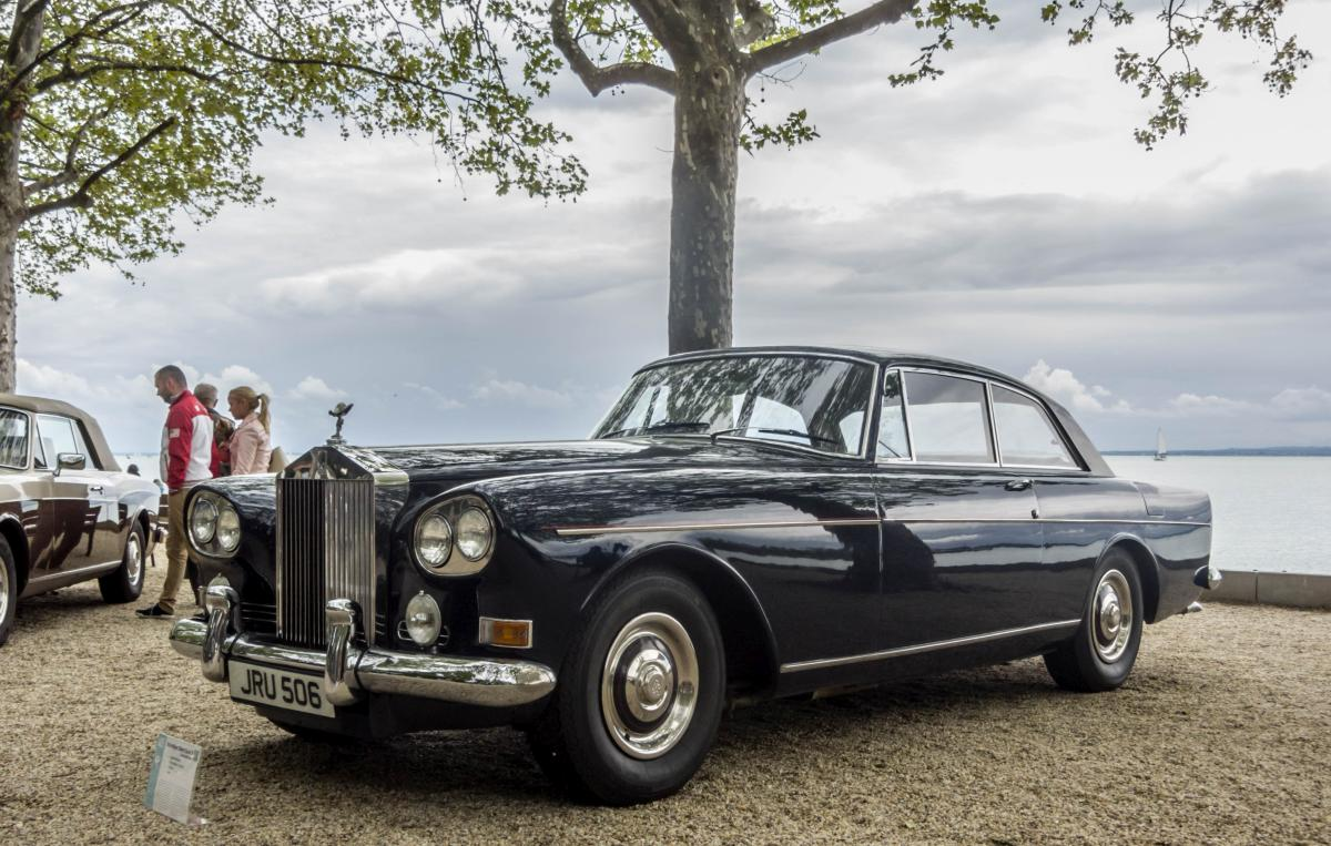 Rolls-Royce Silver Cloud III Continental Coupe, oft  Chinese Eye Rolls  genannt. Foto: IV. Balatonfüred Concours d'Elegance, Mai 2017.