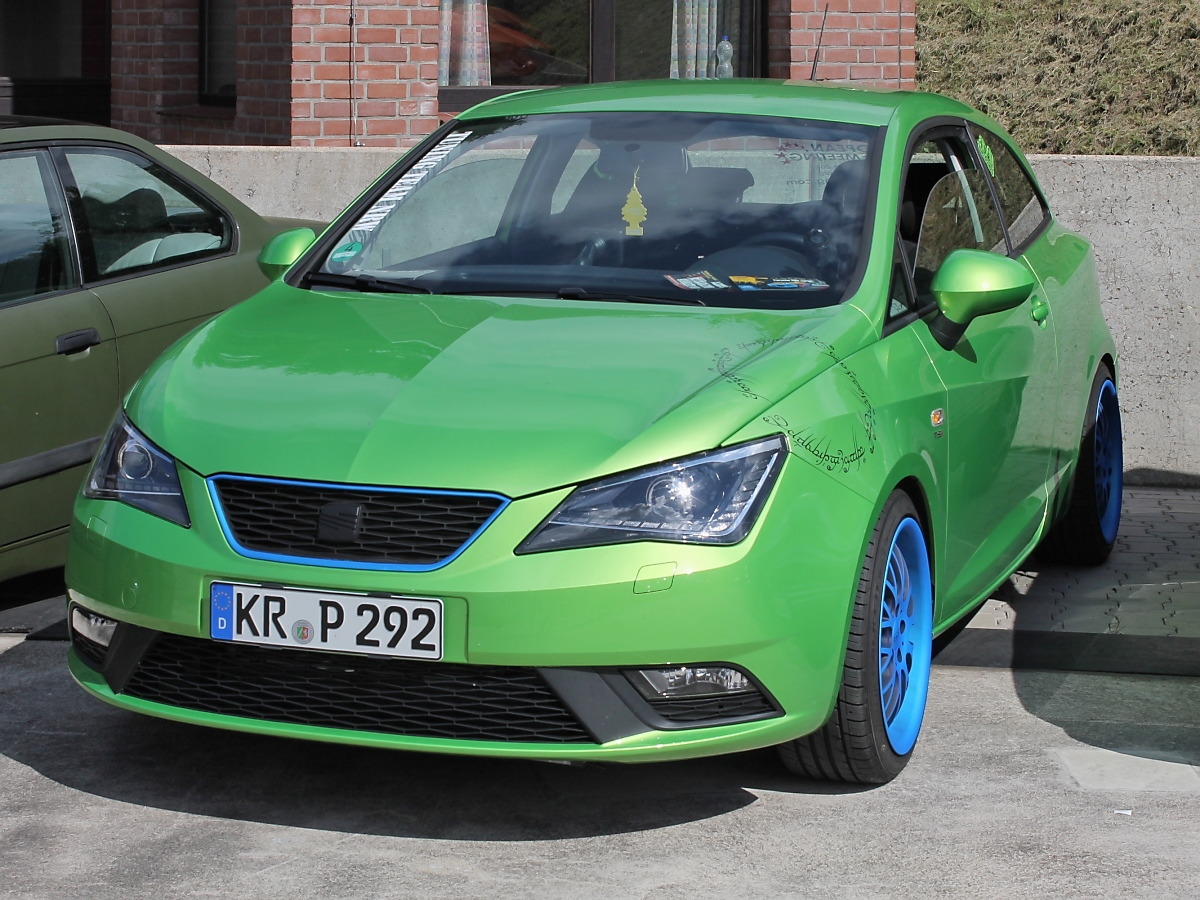 seat ibiza bei den grefrath tuning days 11. Black Bedroom Furniture Sets. Home Design Ideas